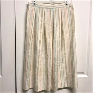 TR Bentley Skirt Size 13 / 14 Striped with floral